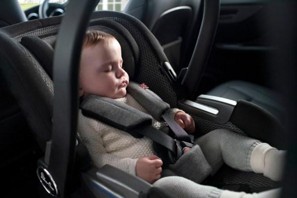 Ab geht die Fahrt: Die neue Silver-Cross-Autositzkollektion verspricht Qualität und Eleganz.