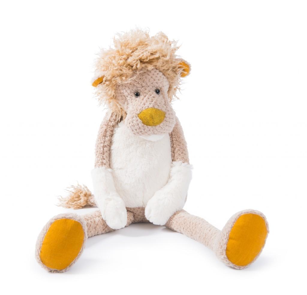 """Das texturierte Fell des Löwen aus der Kollektion """"Les baba bou"""" von Moulin Roty spricht spielerisch die kindlichen Sinne an, ca. 38 Euro www.moulinroty.com"""