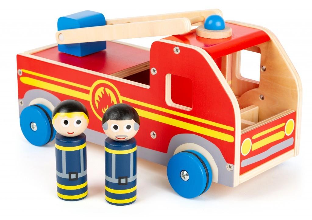 Die großen Holzfahrzeuge von Small Foot machen auch schon den Kleinsten Spaß. Ab 29,99 Euro. www.small-foot.de