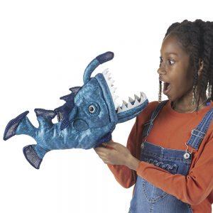 Der Anglerfisch von Folkmanis Puppets sorgt für viel Spaß!