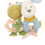 Mit einem nachhaltigen Spielwarenprogramm bringt Sigikid mehr Consciousness ins Kinderzimmer. Die Kuscheltiere sind aus Biobaumwolle mit einer Schafswollfüllung, ca. 22 Euro www.sigikid.de