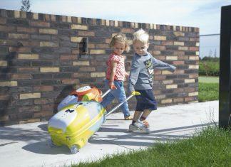 Ob Urlaub oder Familienbesuch – für Kinder hat auf Reisen meist das Spielzeug höchste Priorität. Daher zeigen wir Ihnen einige Produkte, die auch unterwegs Spaß machen. - Foto: Childhome
